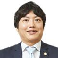 坪井 俊郎 氏