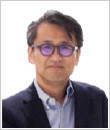 山口 勉 氏