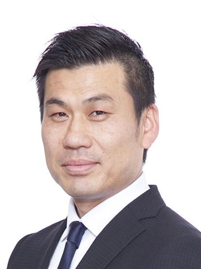 西川 佳孝