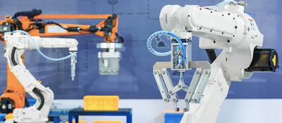 FA・IoTメーカー化ソリューション ~自ら成長産業の商品を集中的に制作することで高収益な企業経営を実現~